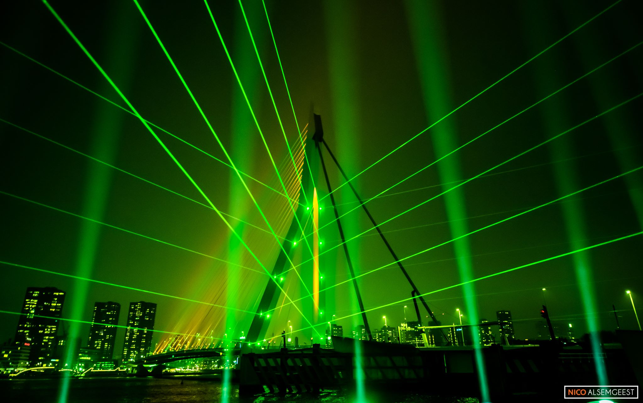 kpn openingshow rotterdam erasmusbridge lasers